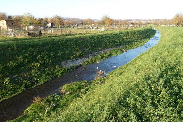 28 Zelene povrsine - potok
